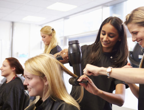 The Benefits of Getting Services in a Student Salon