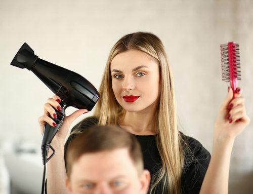 What to Look for When Deciding on a Beauty School